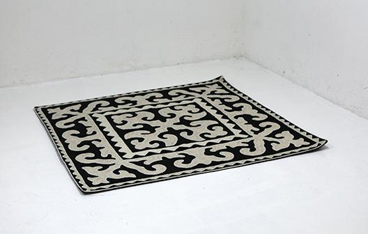karpet Monochok